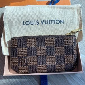 Authentic NWT New Louis Vuitton Key Pouch